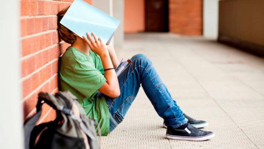The Pros and Cons of Dropping out of College 2021 Update