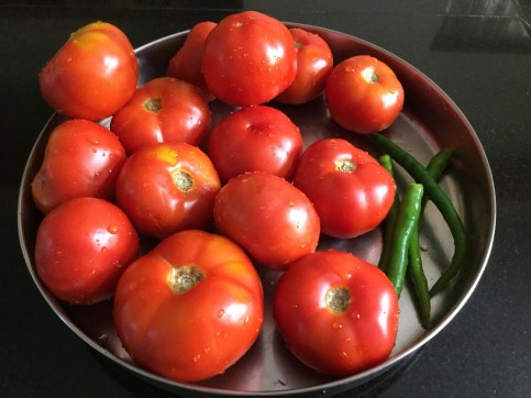tomatoes-with-chillies