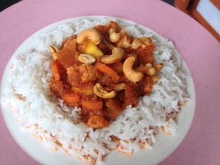 Indiase bloemkool mangoschotel