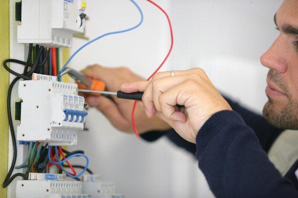 Aprender a hacer una instalación electrica