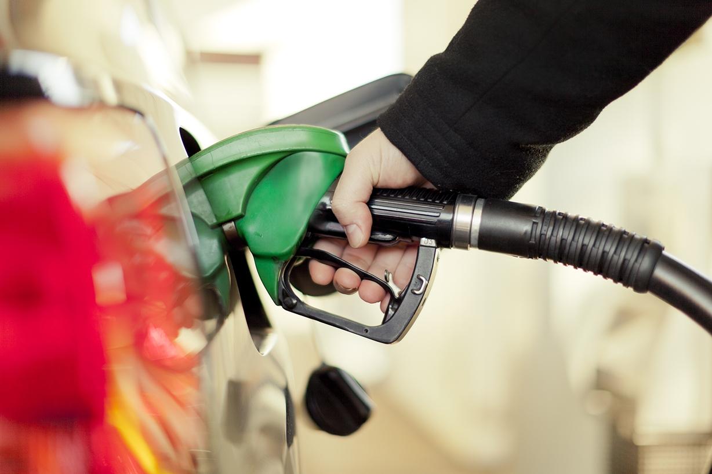 Resultado de imagem para posto de gasolina