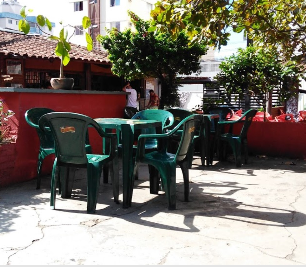 Bares com mesas de sinuca para reunir os amigos em Goinia