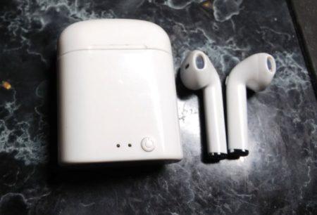中華イヤフォン充電可能ケース付き