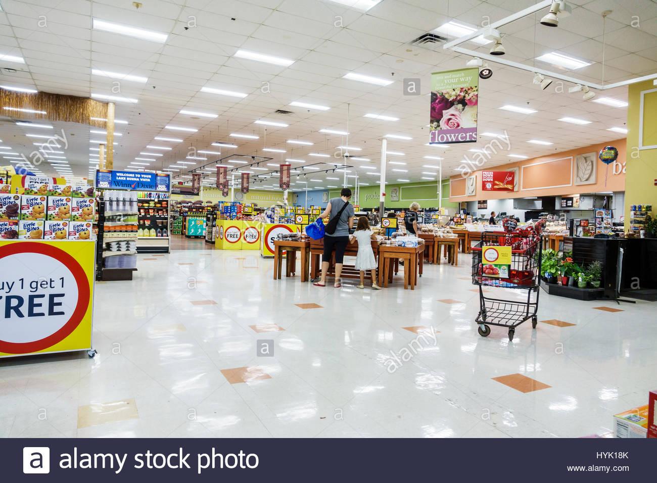 orlando-florida-lake-buena-vista-winn-dixie-supermarket-grocery-store-HYK18K.jpg