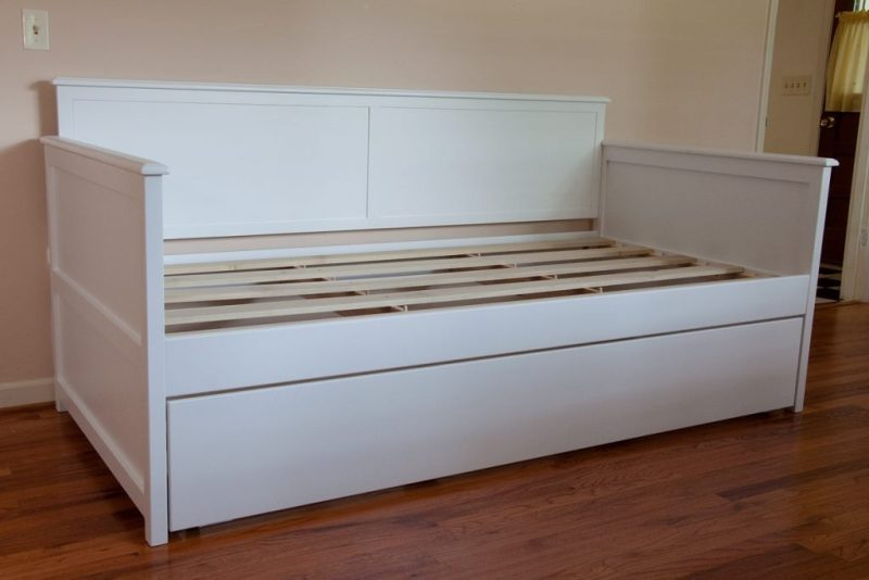 diy-daybed-with-trundle