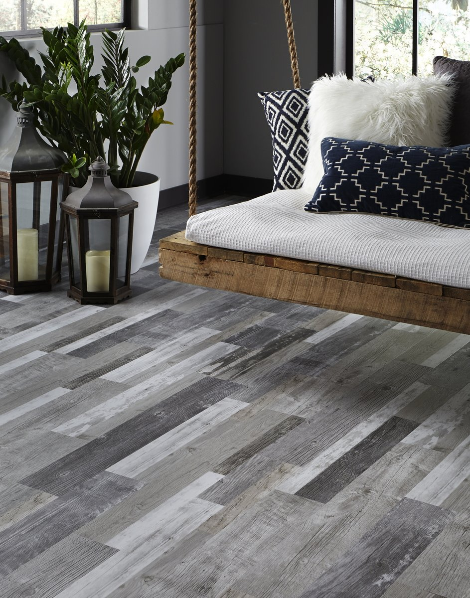 Stark, high contrast tones in a deep grey palette modernize any space with Mannington Luxury Sheet Vinyl.