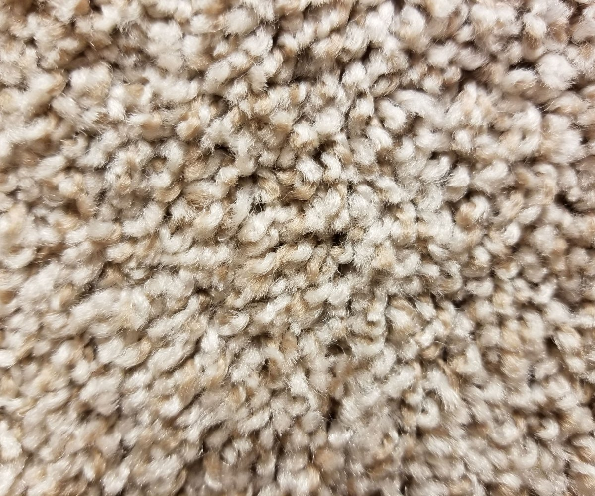 Mohawk Carpet's Gulf Breeze in color Apple Fritter - 30 oz Everstrand Revive PET