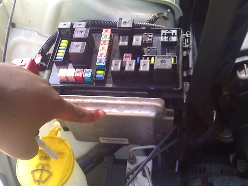 small resolution of fuse box 08 dodge avenger