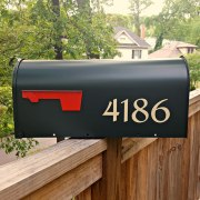 Redressed traditional mailbox numbers in beige