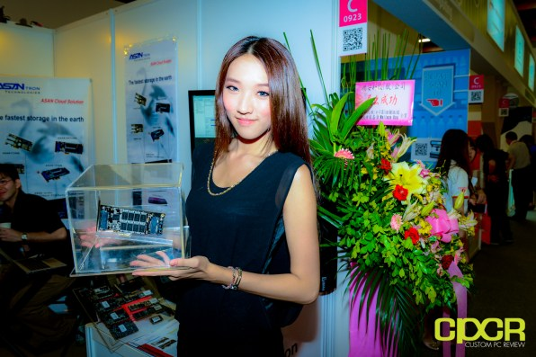 show-girls-computex-2013-custom-pc-review-95