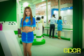 computex-2014-mega-booth-babes-gallery-custom-pc-review-1