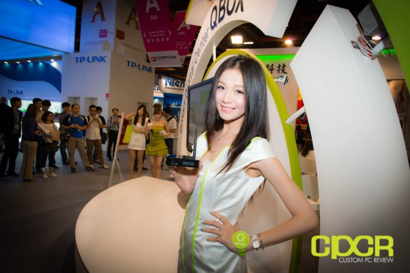 computex-2014-mega-booth-babes-gallery-custom-pc-review-100