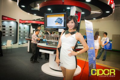 computex-2014-mega-booth-babes-gallery-custom-pc-review-22
