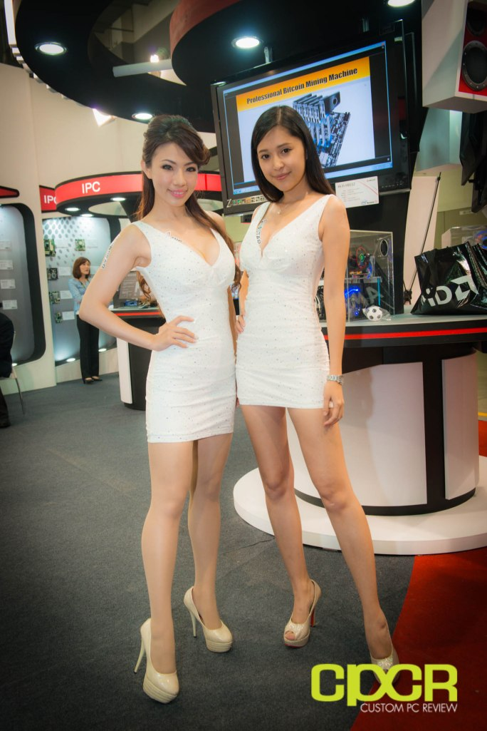 computex-2014-mega-booth-babes-gallery-custom-pc-review-36