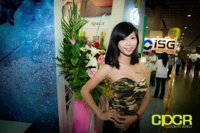 computex-2014-mega-booth-babes-gallery-custom-pc-review-65