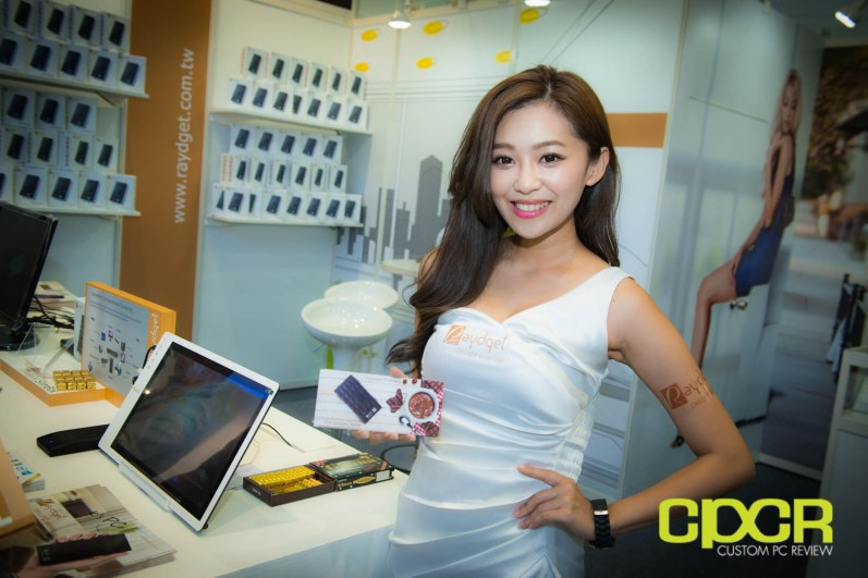 computex-2014-mega-booth-babes-gallery-custom-pc-review-80