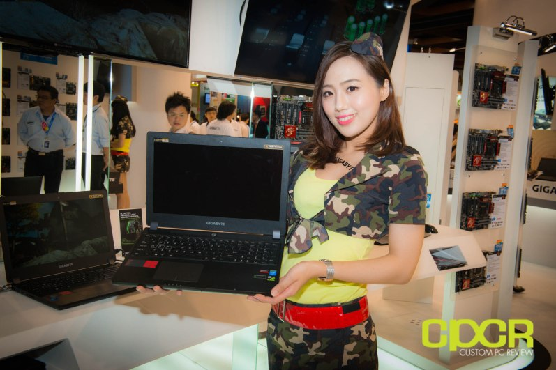 computex-2014-mega-booth-babes-gallery-custom-pc-review-96