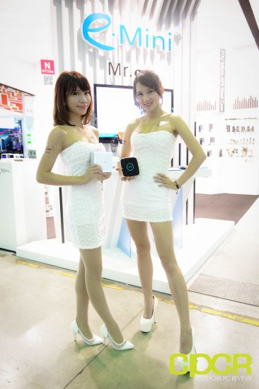 computex-2015-ultimate-booth-babe-gallery-custom-pc-review-3