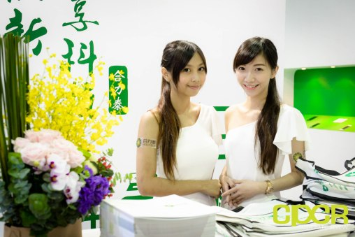computex-2015-ultimate-booth-babe-gallery-custom-pc-review-38