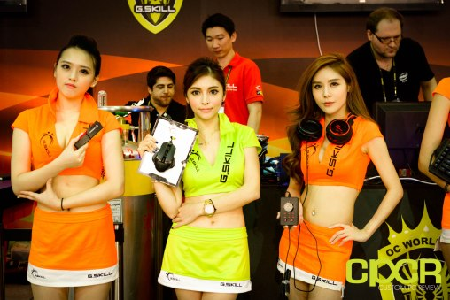 computex-2015-ultimate-booth-babe-gallery-custom-pc-review-43