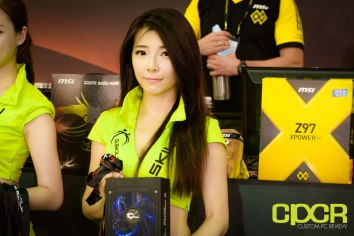 computex-2015-ultimate-booth-babe-gallery-custom-pc-review-44