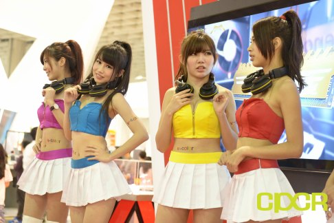 computex-2015-ultimate-booth-babe-gallery-custom-pc-review-78