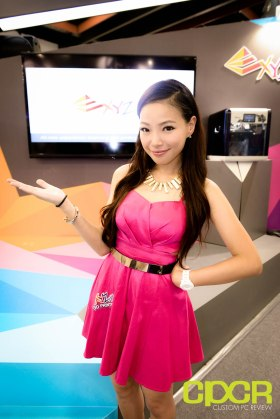 computex-2015-ultimate-booth-babe-gallery-custom-pc-review-88
