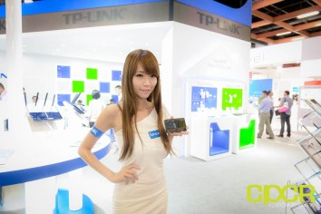 computex-2015-ultimate-booth-babe-gallery-custom-pc-review-89
