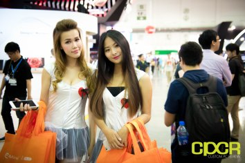computex-2016-booth-babes-custom-pc-review-11