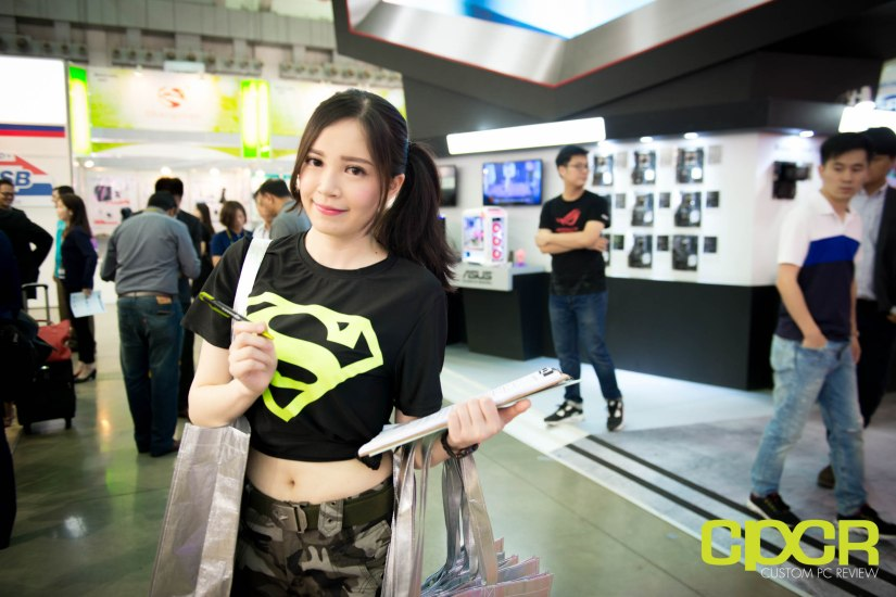 computex-2016-booth-babes-custom-pc-review-14