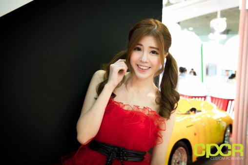 computex-2016-booth-babes-custom-pc-review-42