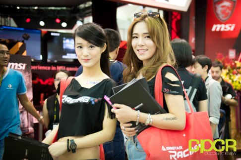 computex-2016-booth-babes-custom-pc-review-59