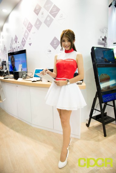 computex-2016-booth-babes-custom-pc-review-67