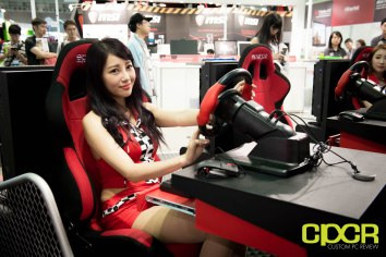 computex-2016-booth-babes-custom-pc-review-85