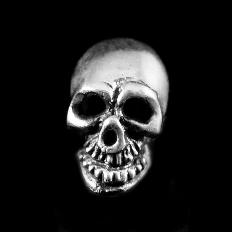 Totenkopf Ohrstecker aus Silber