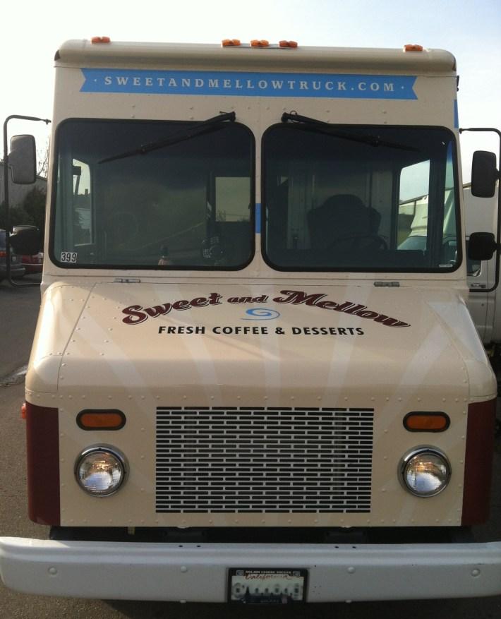sm food truck wrap5