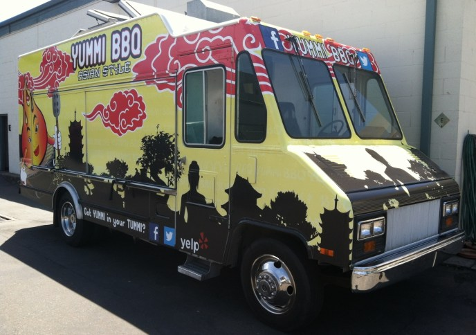 yummibbq food truck wrap2
