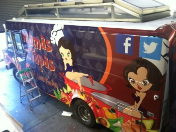 mamas tapas food truck wrap-05