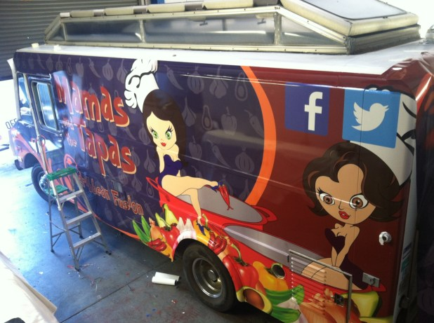 mamas tapas food truck wrap-05