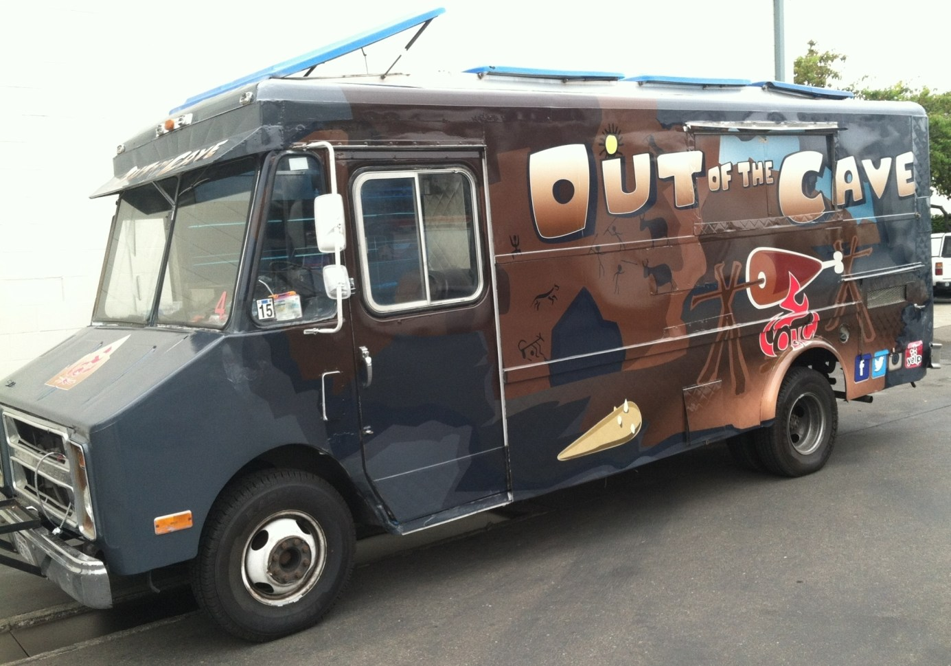 out of the cave food truck wrap-12