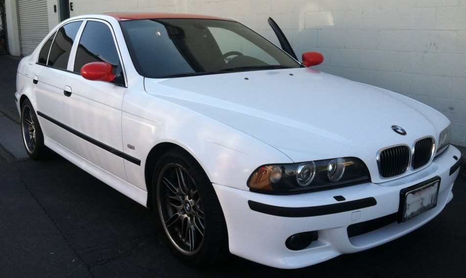 bmw white red roof color change