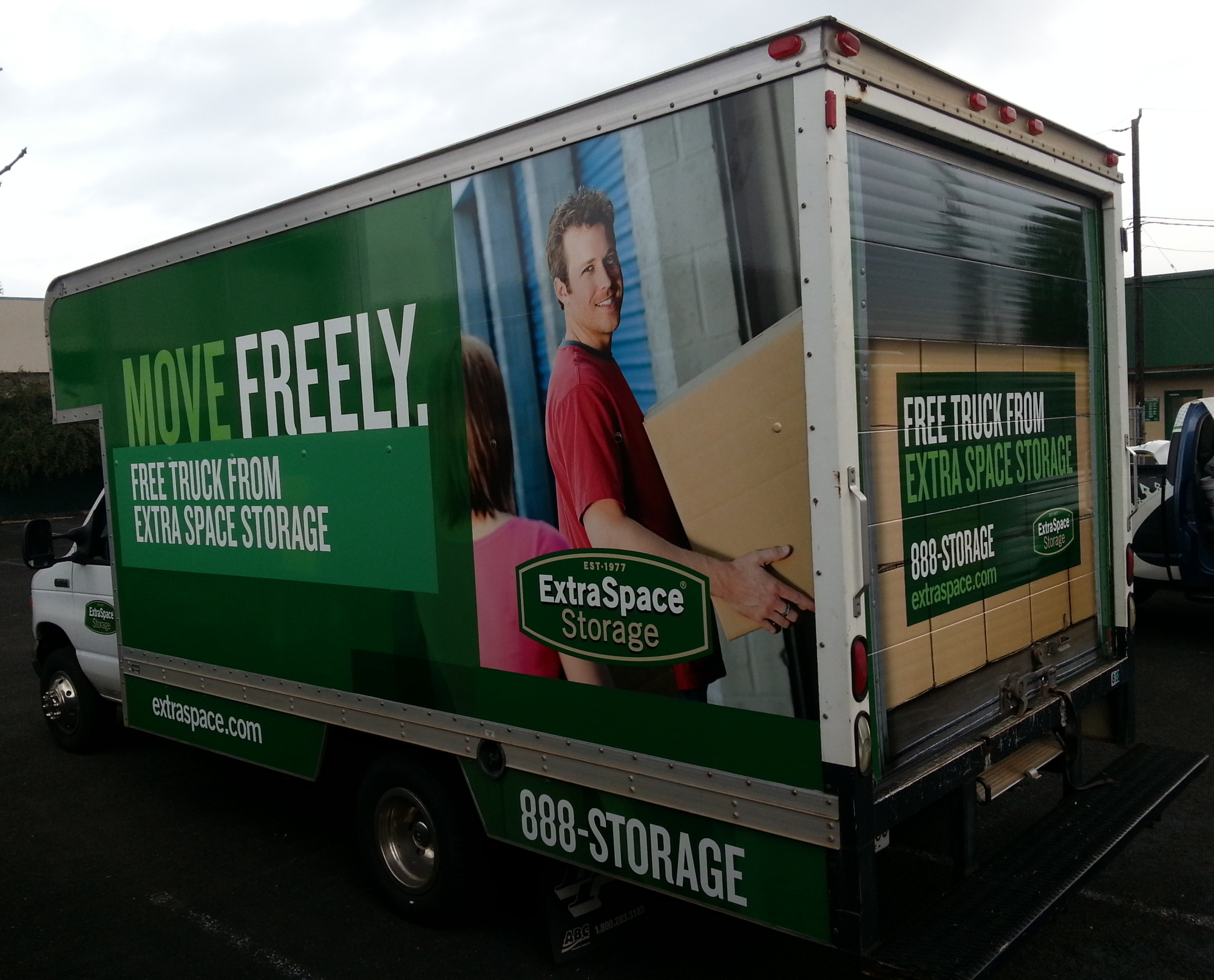 Box Truck Wrap For Extra Space Storage