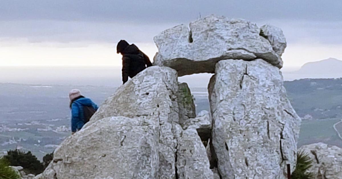 """Custonaci come Stonehenge. Celebrato il solstizio d'inverno alla """"Porta del Sole"""". VIDEO"""