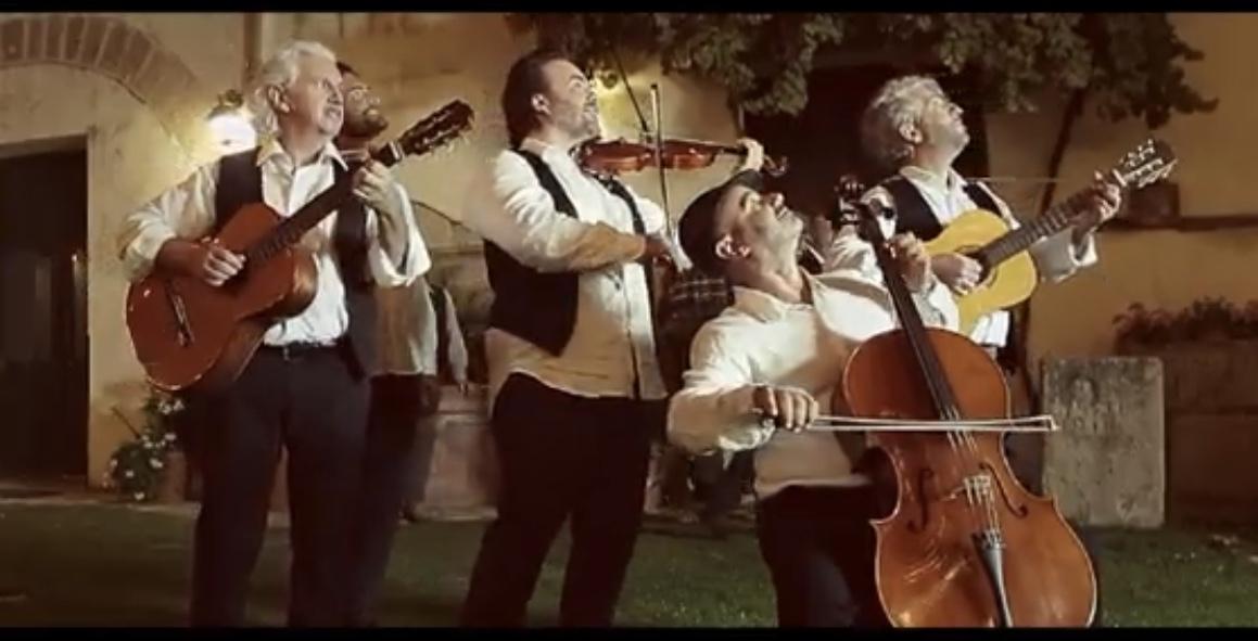"""""""Nun viu l'ura"""", l'ultimo brano dei Calandra&Calandra che celebra l'amore eterno."""