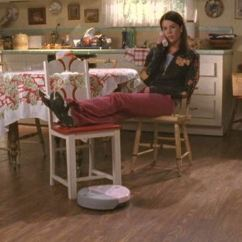 Round Table And Chair Set Diy Wood Cushion Decorate A Home In Gilmore Girls Style - Lorelei's House Cute Furniture
