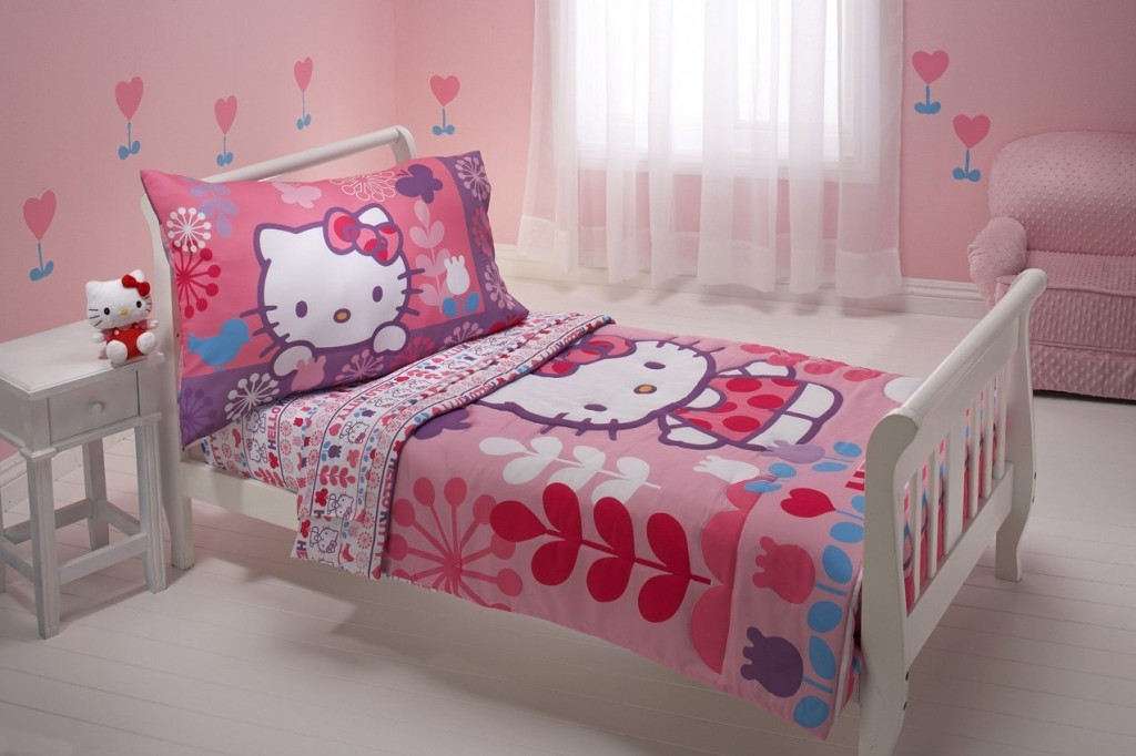 12 Cute Hello Kitty Bedding Sets For Girls