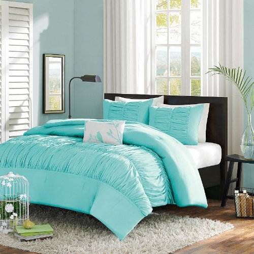 11 cool heavenly blue comforters for a