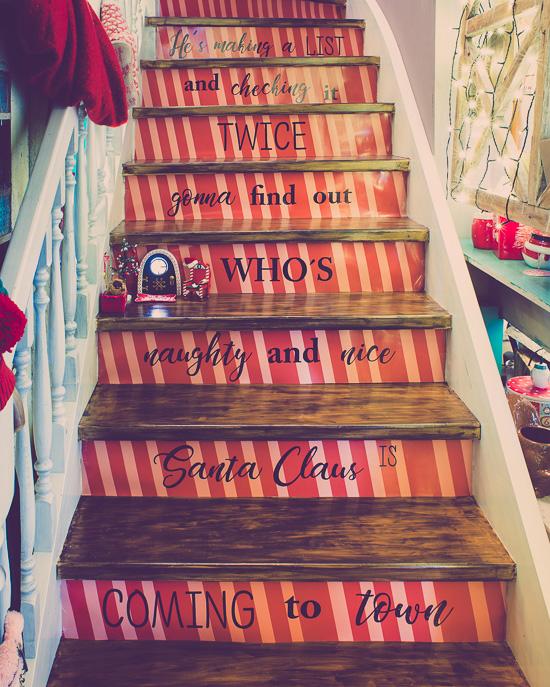 Meine Weihnachtstreppe im Rosa Haus