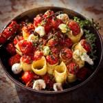 Gegrillte Tomaten mit Pasta