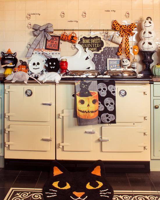 Kurz vor Halloween sieht mein Herd in der Küche so aus